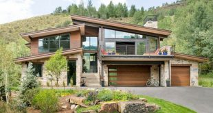 35+ Rustic Home Exterior Design For Your Inspiration