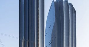 /Iwan Baan photographs MAD's Chaoyang Park Plaza in the Beijing haze