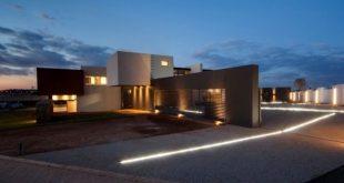 Nico van der Meulen Architects have designed House Boz located in Pretoria, Sout...